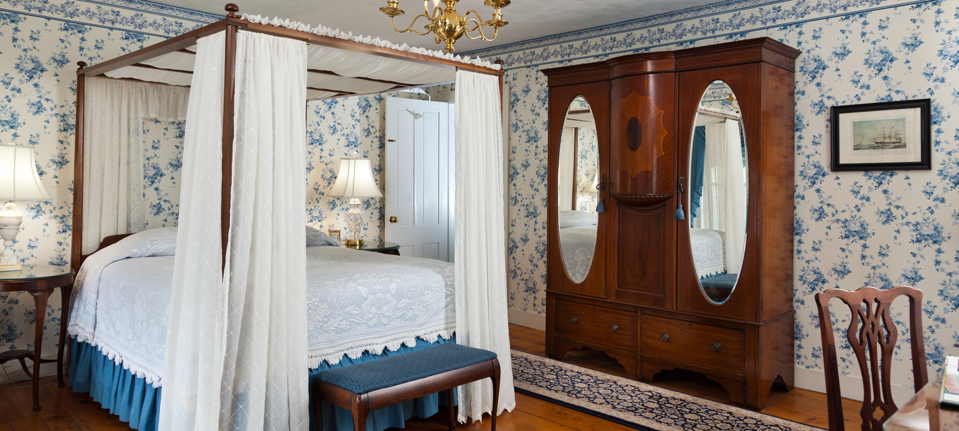 Grand Queen Size bed with a canopy bed with english bed dressings. Large Federal Style Armor with mirrors